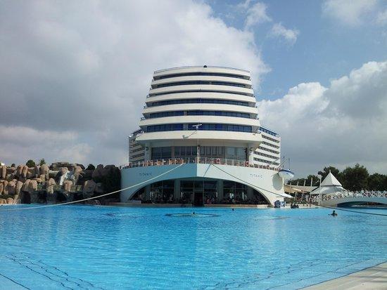 Titanic Beach Lara Hotel : Hotel view