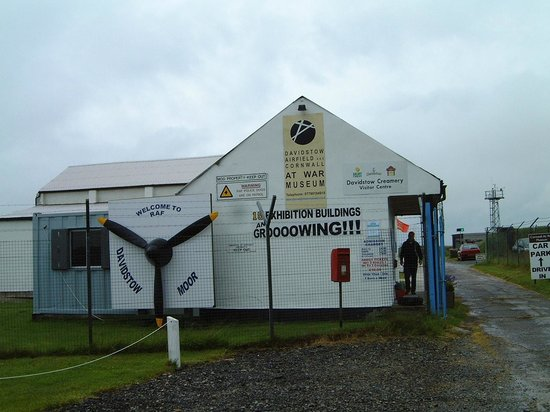 Davidstow Airfield & Cornwall At War Museum: Entrance to the Museum Site