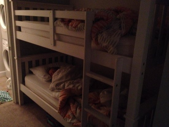 Shores of Panama Resort: The kids loves the bunks!