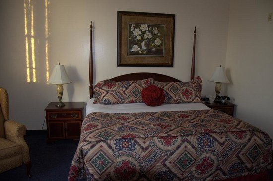 Hotel at Old Town: Beautiful Bedding