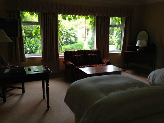 Dunraven Arms Hotel: Beautiful garden view, but rooms adjacent can see right in with the curtains open.