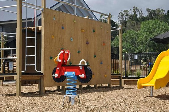 Cooks Beach Resort: Safe Camp Playground