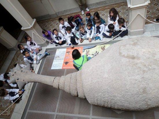 Museum of Pre-Columbian and Indigenous: Turma infantil e professora