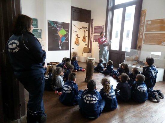 Museum of Pre-Columbian and Indigenous: Turma de alunos no Museu