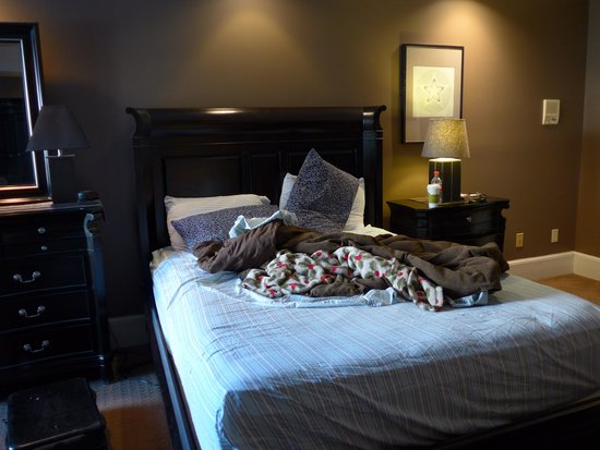 Meridian Manor Bed and Breakfast: No maid service