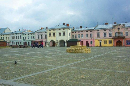 Zhovkva: Vicheva Square