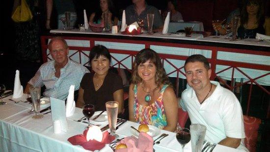 Jewel Dunn's River Beach Resort & Spa: Bling Restaurant