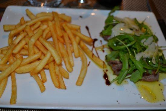 0039 Ristorante Italiano : tagliata con patatine fritte