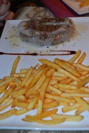 0039 Ristorante Italiano : filetto con lardo al tartufo e patatine fritte