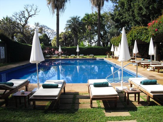 Quinta da Casa Branca: The beautiful pool area.