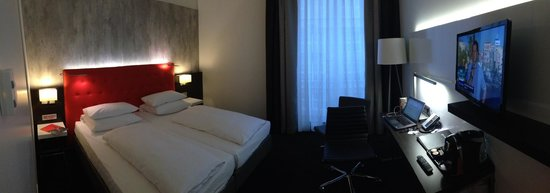 Winters Hotel Berlin Mitte - The Wall at Checkpoint Charlie: Panorama eines klassischen Doppelzimmers