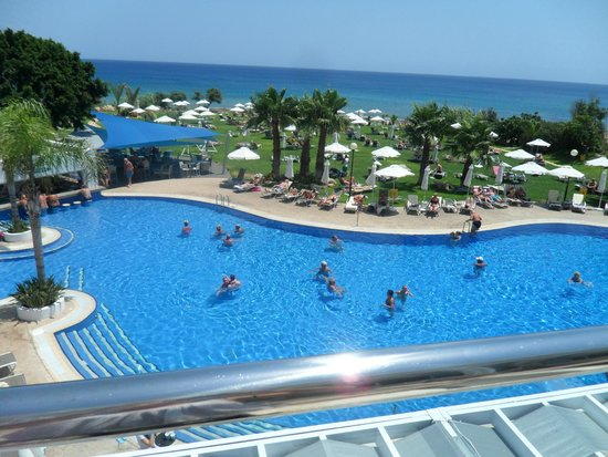 TUI SENSIMAR Sea Breeze by Atlantica: pool from the terrace bar