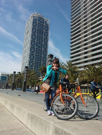 H10 Raco Del Pi : cycling along sea front