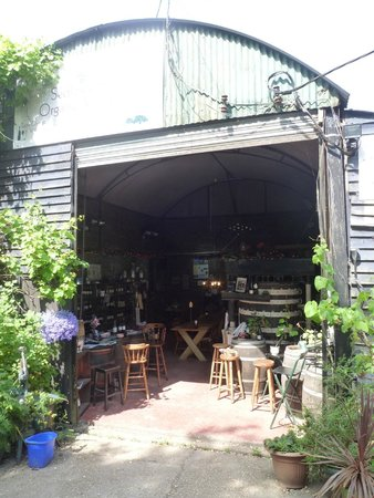 Sedlescombe Organic Vineyard: Delightful place to have lunch and taste the produce.