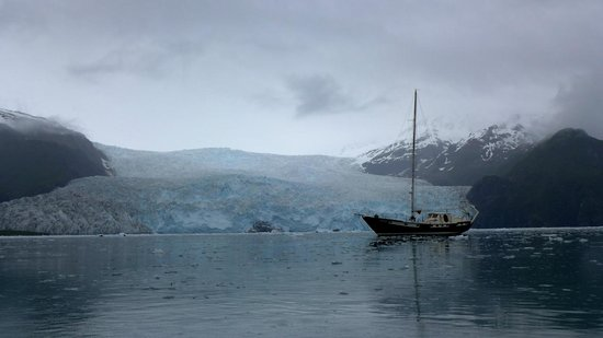 Kayak Adventures Worldwide: The Starr in front of one of the glaciers