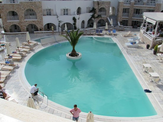 Aegean Plaza Hotel: Piscina