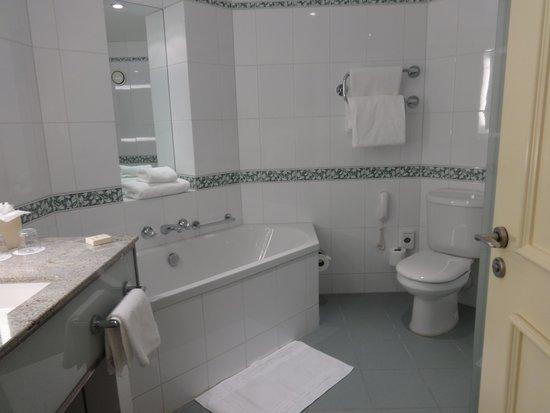 Fairmont St Andrews: Bathroom king deluxe