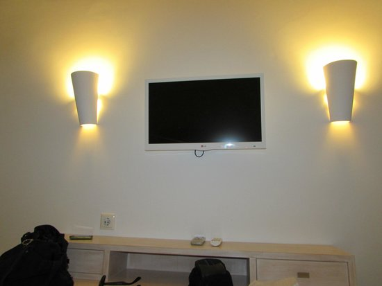 Aegean Plaza Hotel: Tv