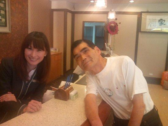 Y Hotel Taipei: 笑顔の素敵なフロント台湾小姐