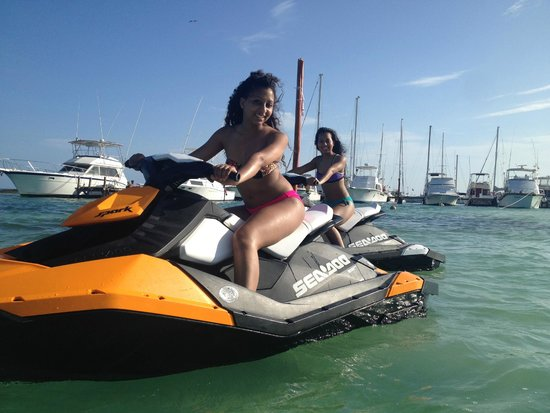 Maroma Adventures: Photo-Op .. you must wear a life jacket while riding