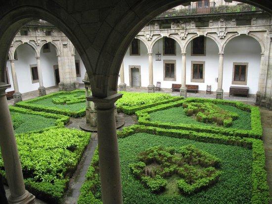 Parador Hostal Dos Reis Catolicos: the internal courtyard