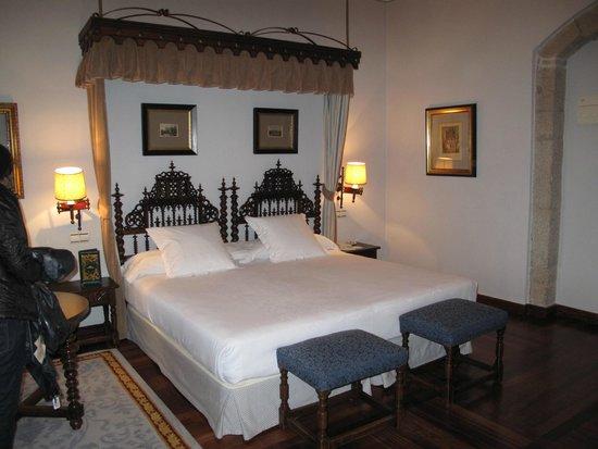 Parador Hostal Dos Reis Catolicos: our second room!