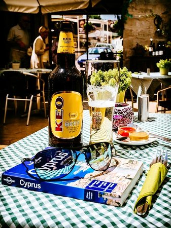The Vineyard Taverna : Warm Welcome, Cold Keo!