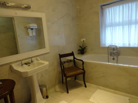 Glenlo Abbey Hotel: Bathroom