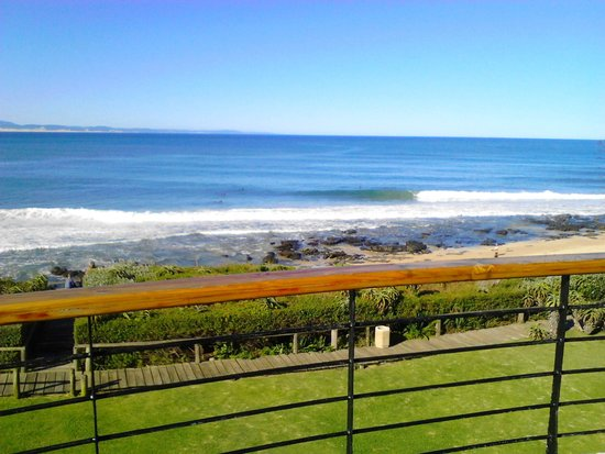 African Perfection Jeffreys Bay : Another view of Supertubes from the Penthouse deck