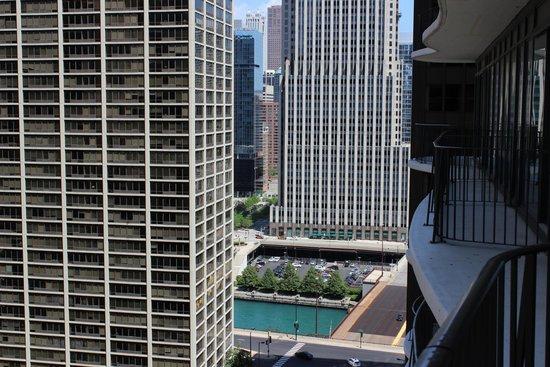 Radisson Blu Aqua Hotel: Looking right from balcony