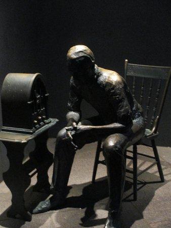 Franklin Delano Roosevelt Memorial: Fireside Chats