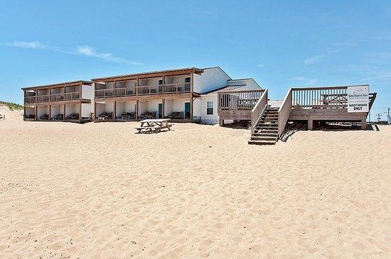 John Yancey Oceanfront Inn: Beachfront