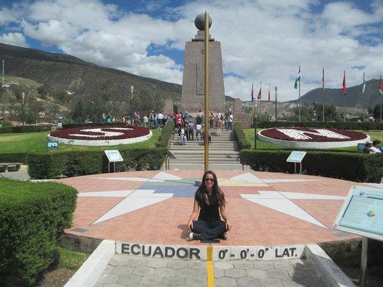Monument équatorial (La Mitad del Mundo) : The monument