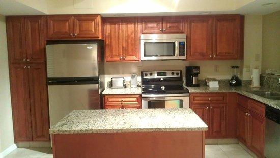 Polynesian Isles Resort: Room kitchen