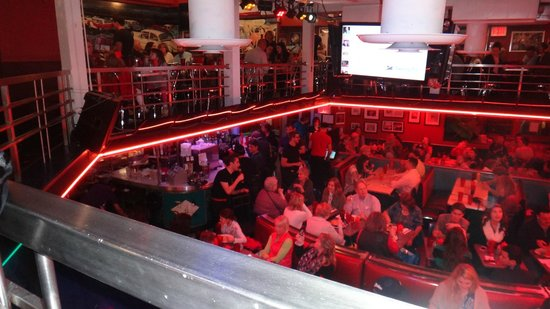Ellen's Stardust Diner : Dentro do restaurante