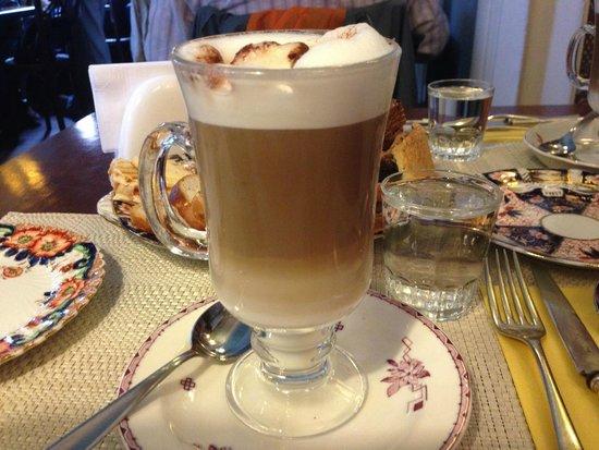 Philomène Café: capuccino