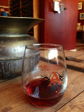 Arizona Stronghold Vineyards Tasting Room: Cute glasses to taste our AZ Stronghold wine