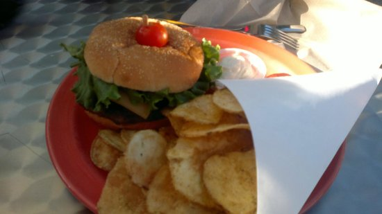 Pick up Grillé : angus burger/cheese/mushrooms and chips