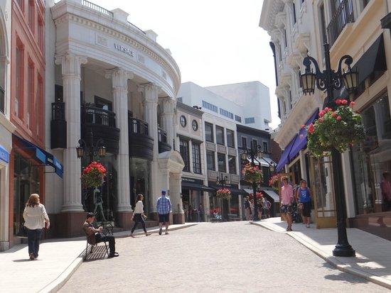 Rodeo Drive: Rua de lojas famosas