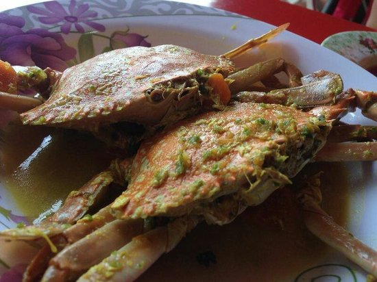Harum Aroma: Lemak Cili crab for rm15 each.