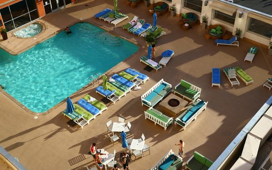 Platinum Hotel and Spa : View of the pool