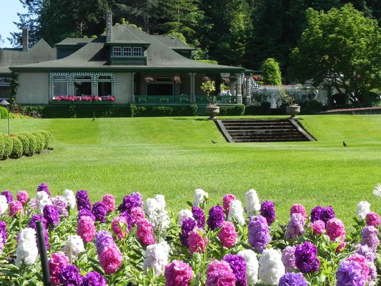 Landsea Tours and Adventures: Butchart Gardens
