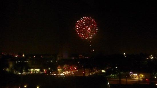 Red Lion Hotel Anaheim Resort: Room #822 fireworks2