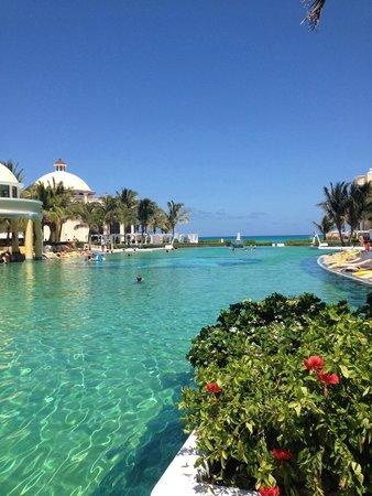 Iberostar Grand Hotel Paraiso: Piscina principal