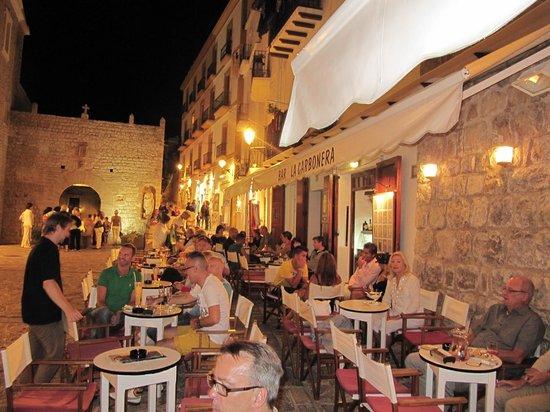 Bar La Carbonera: Terraza del bar