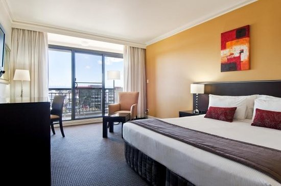 Novotel Sydney Norwest : Balcony King Room
