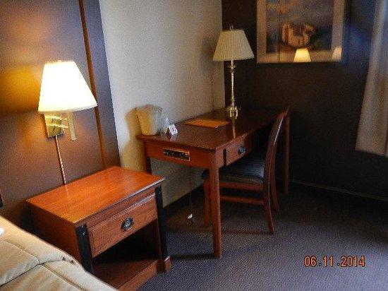 Hotel Motel Bonaparte : desk area