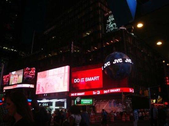Times Square Visitors Center : Noite