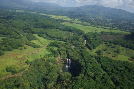 Jack Harter Helicopters - Tours: Waterfalls abound on Kaua'i