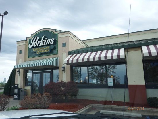 Perkins Restaurant and Bakery: front of Perkins